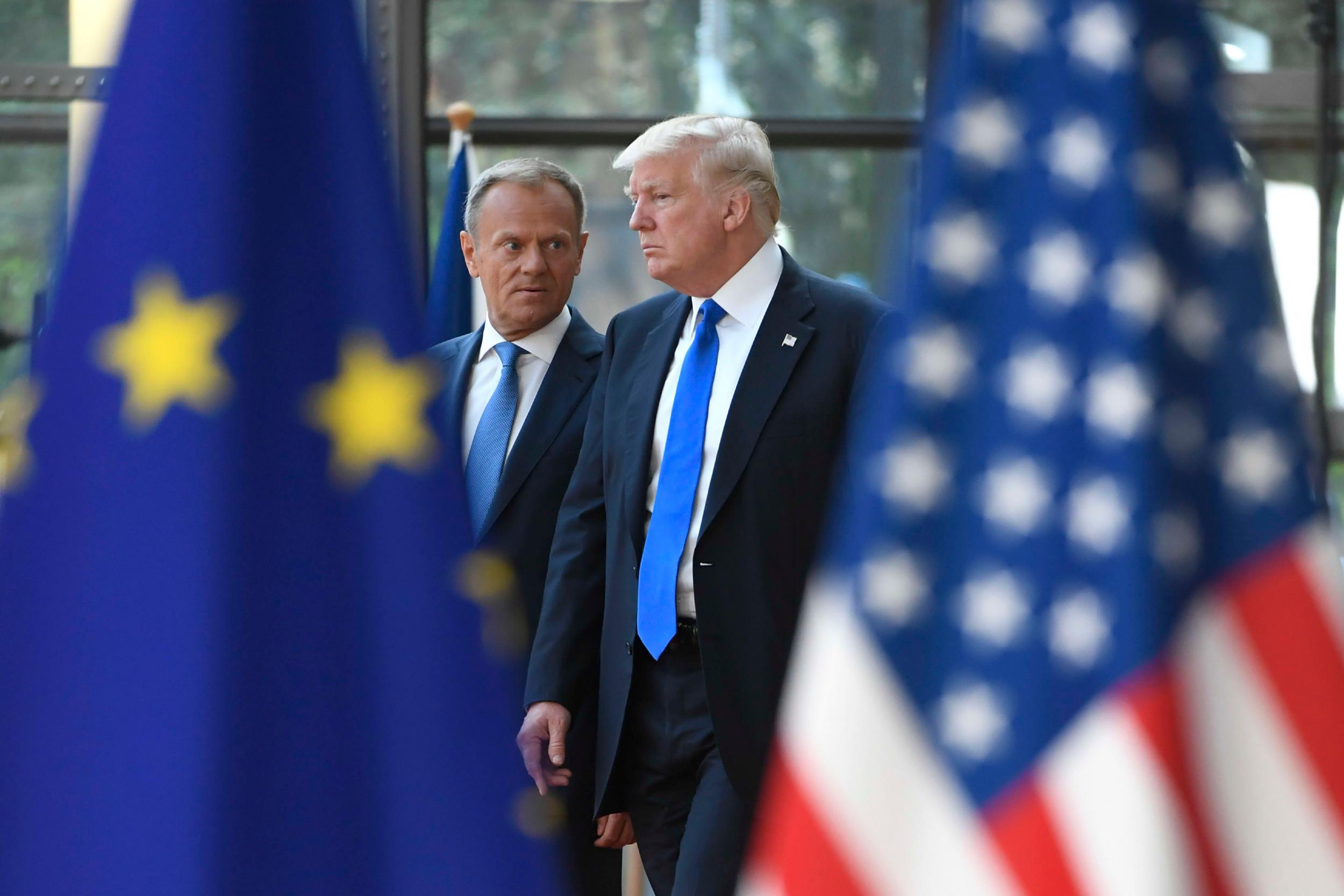 Председник Европског савета Доналд Туск и амерички председник Доналд Трамп разговарају у седишту ЕУ, Брисел, 25. мај 2017. (Фото: Emmanuel Dunand/AFP via Getty Images)