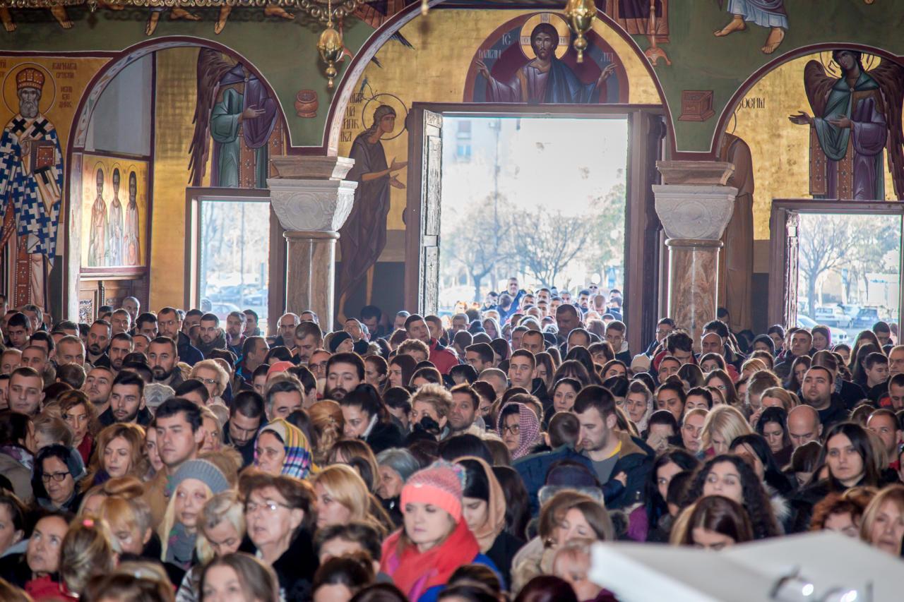 Vernici na božićnoj liturgiji u Hramu Hristovog Vaskrsenja u Podgorici, 07. januar 2020. (Foto: Boris Musić/mitropolija.com)