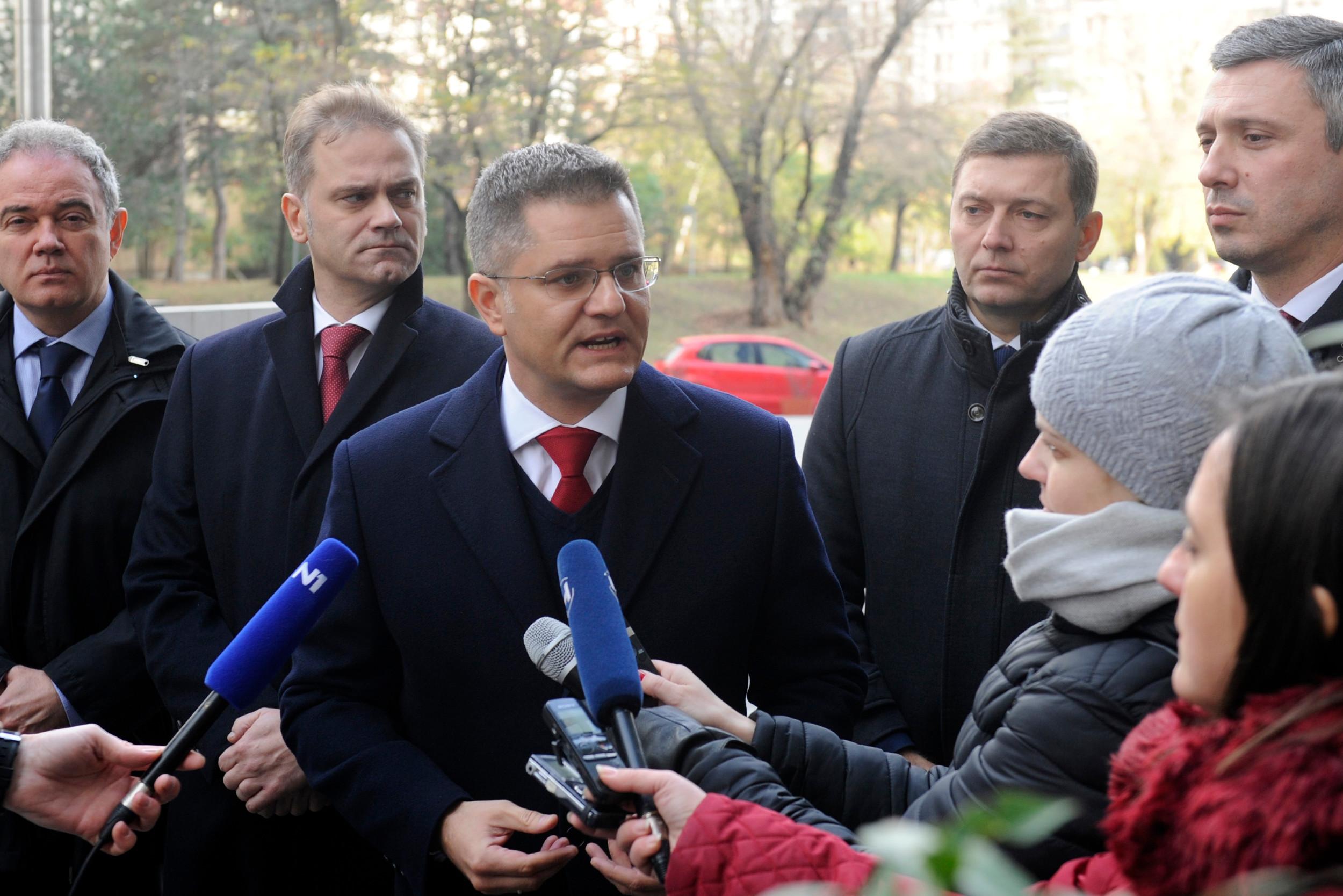 Представници Савеза за Србију дају изјаву за медије након састанка са делегацијом Европског парламента, Београ, 03. децембар 2019. (Фото: Танјуг/Тања Валић)