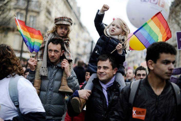Istopolni parovi u Hrvatskoj imaju pravo da usvajaju decu