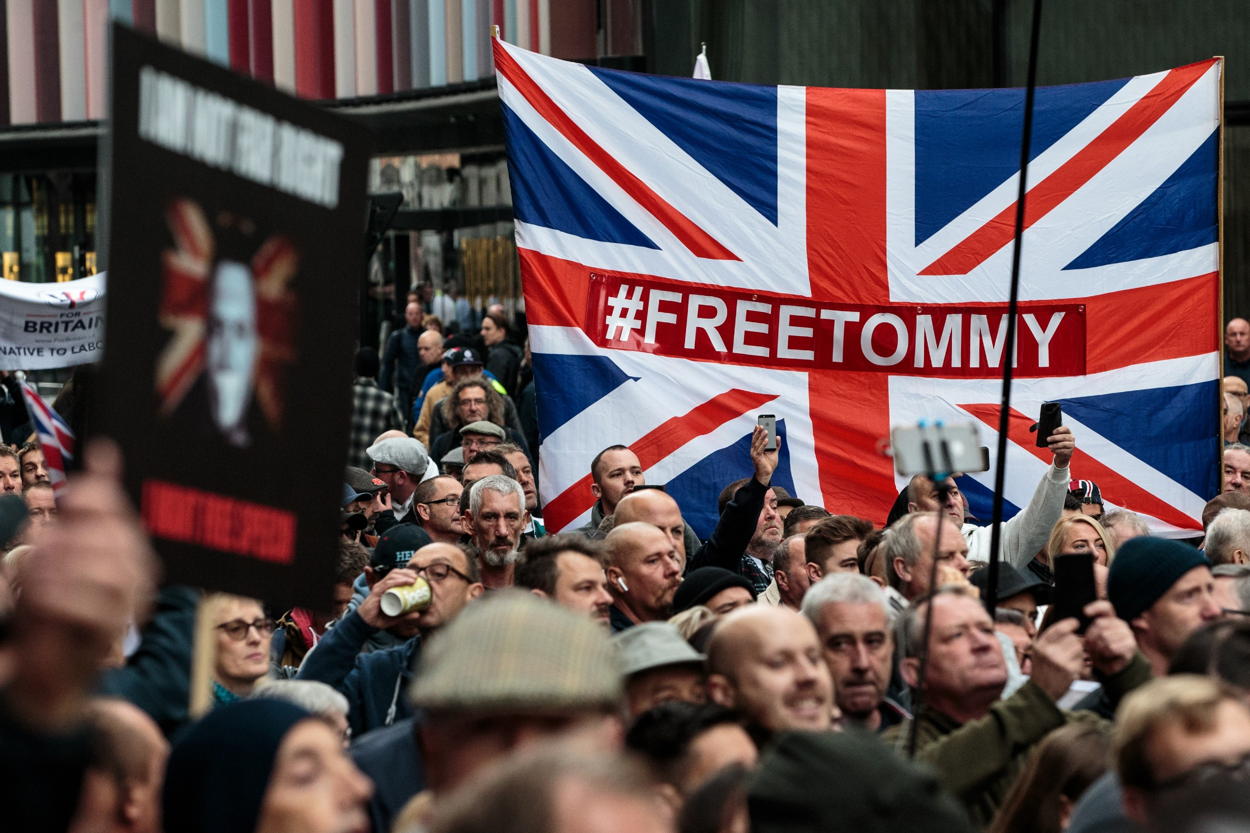 Demonstranti u Londonu zahtevaju oslobađanje Tomija Robinsona (Foto: Jack Taylor/Getty Images)