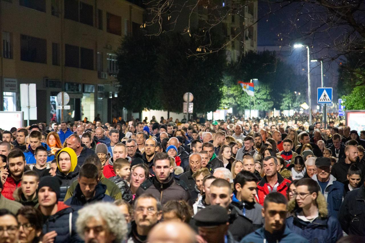 Vernici šetaju tokom litije u Podgorici, 23. februar 2020. (Foto: Boris Musić/mitropolija.com)