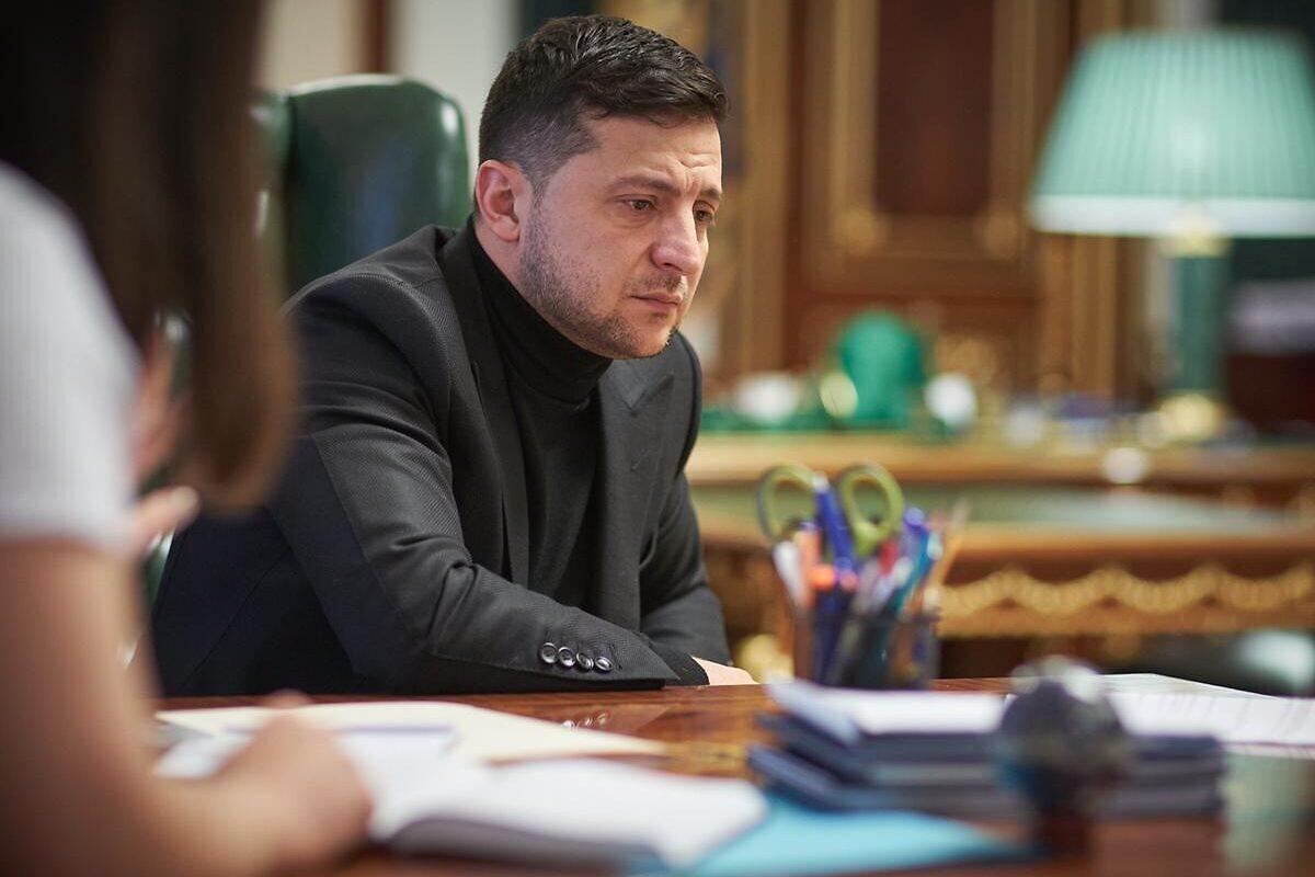 Zabrinuti Vladimir Zelenski tokom intervjua u svom kabinetu, Kijev, 18. januar 2020. (Foto: Press service of the Office of the President of Ukraine)