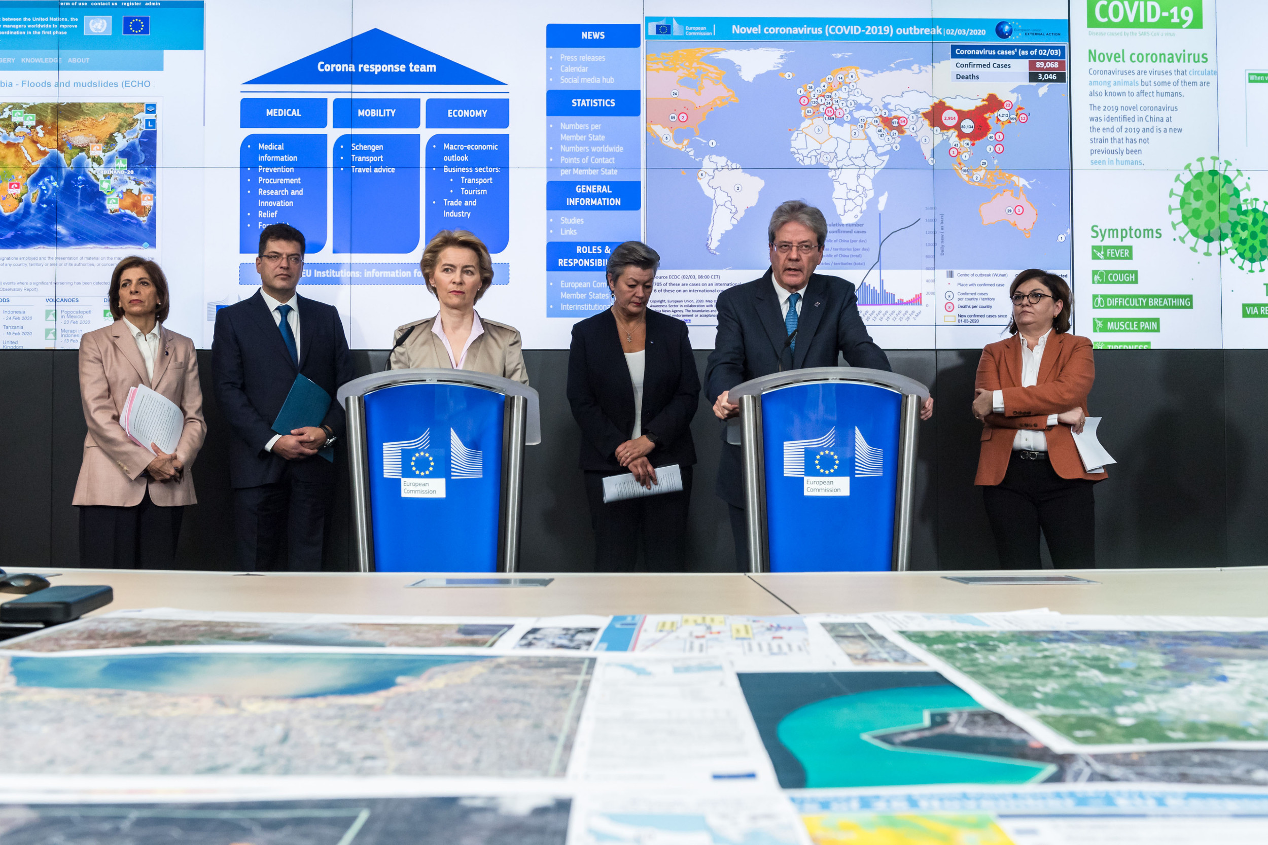 Чланови Тима ЕУ за одговор на коронавирус током конференције за медије, Брисел, 02. март 2020. (Фото: Geert Vanden Wijngaert/Bloomberg)