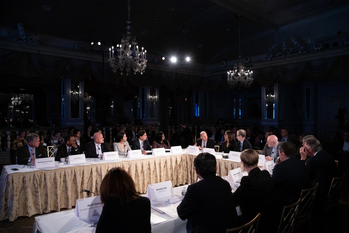 """Учесници """"Догађаја 201"""" воде разговор током велике вежбе о симулацији пандемије, Њујорк, 18. октобар 2019. (Фото: Nick Klein/Center for Health Security)"""