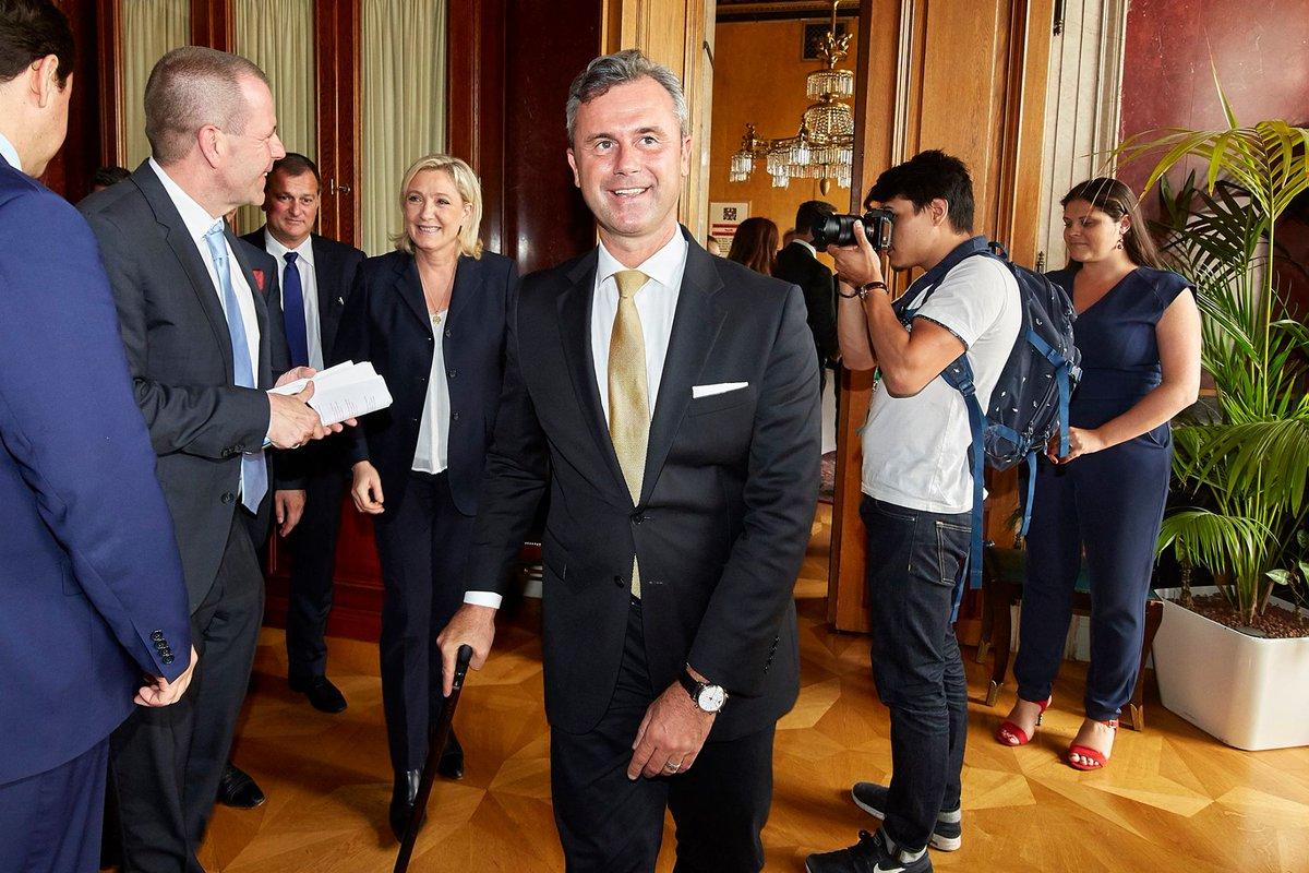 Лидер Слободарске партије Аустрије Норберт Хофер и председница Националног савеза Марин ле Пен (Фото: Твитер)