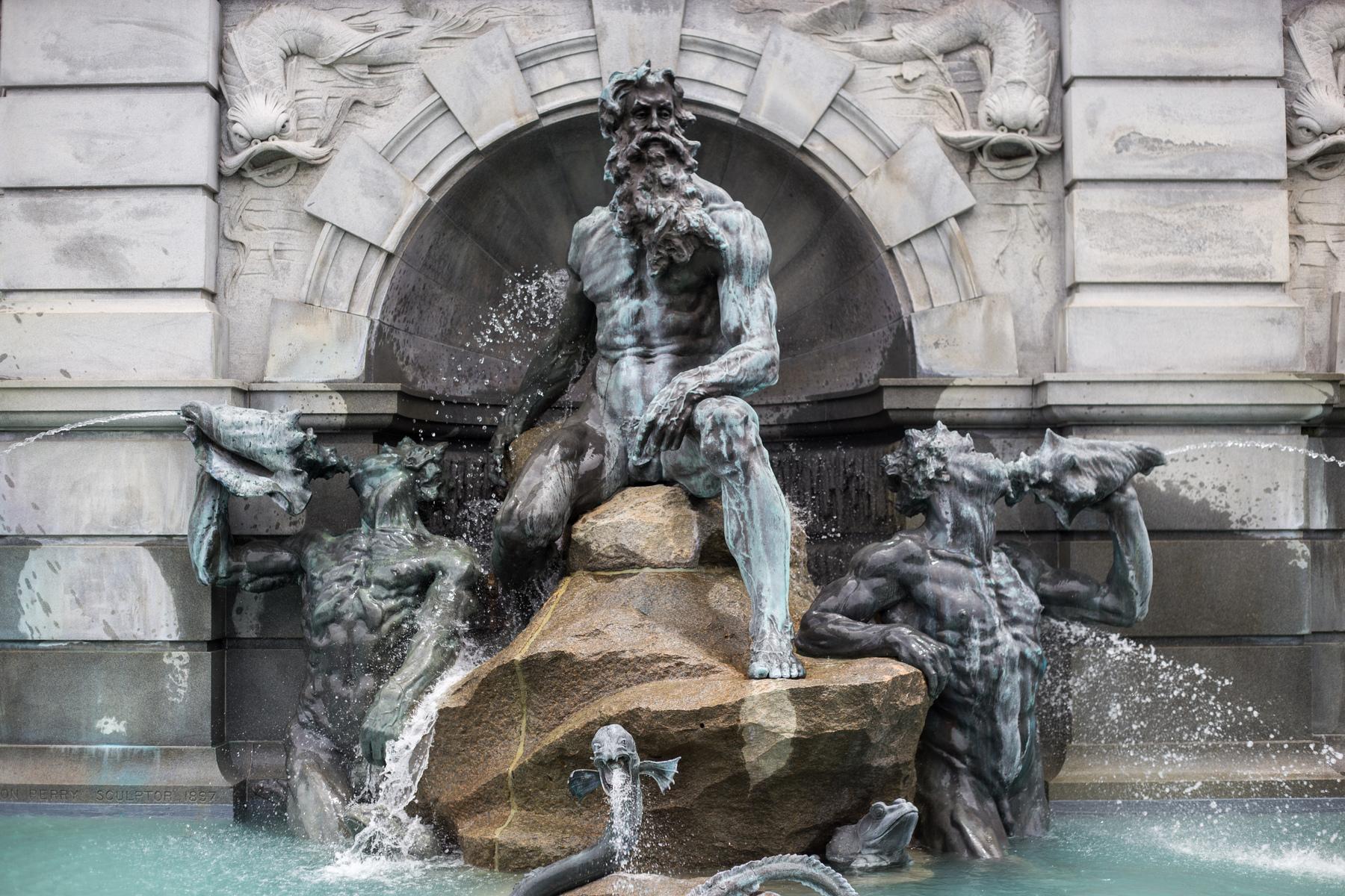 Statua Posejdona u fontani u Vašingtonu (Foto: matthewmonarca.com)