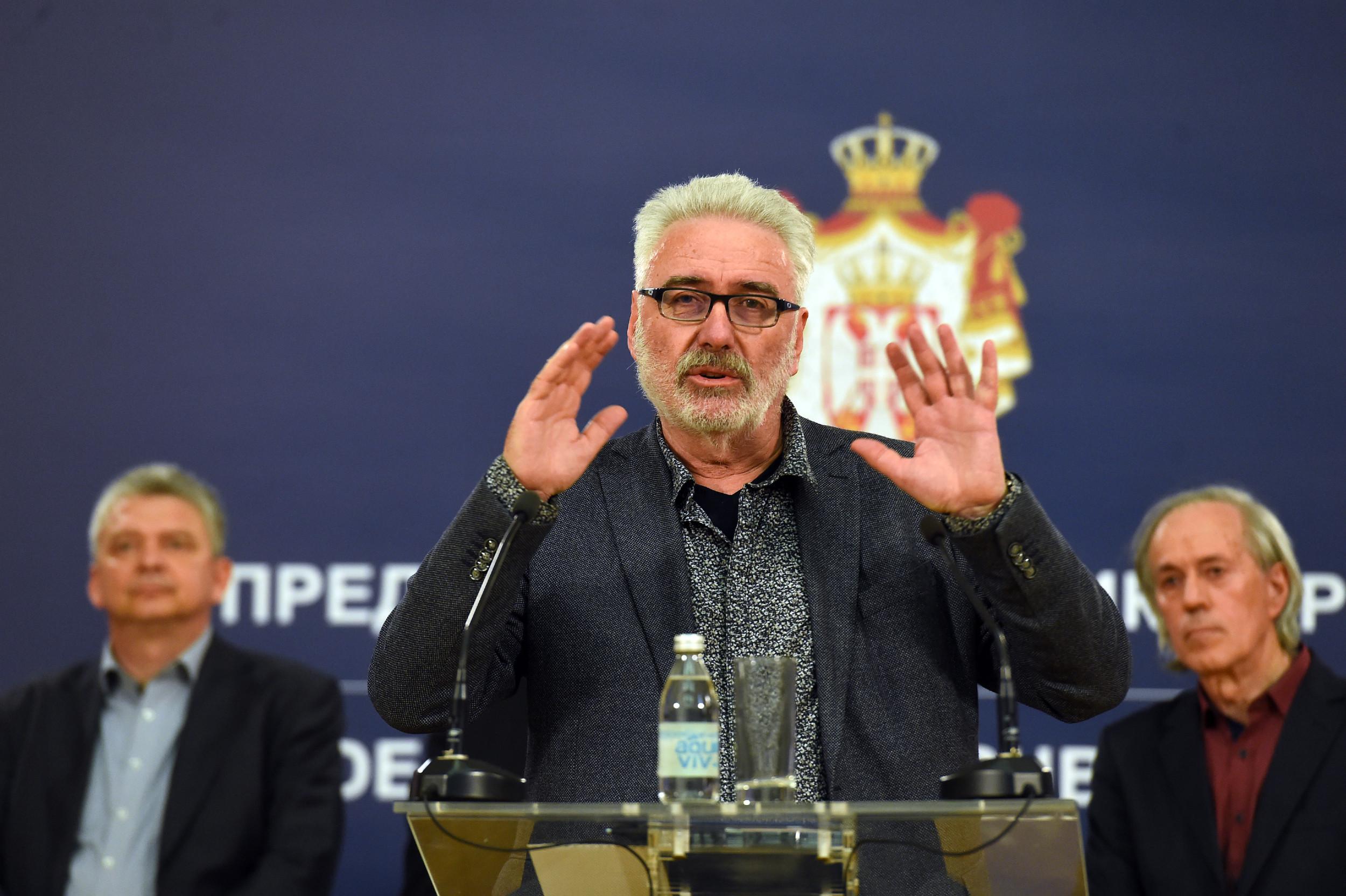 Пулмолог др Бранимир Несторовић говори на конференцији за медије (Фото: Танјуг/Драган Кујунџић)