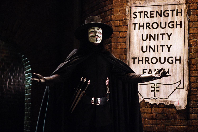"Maskirani čovek ""V"" u filmu ""V za Vendetu"" (Foto: hdqwalls.com)"