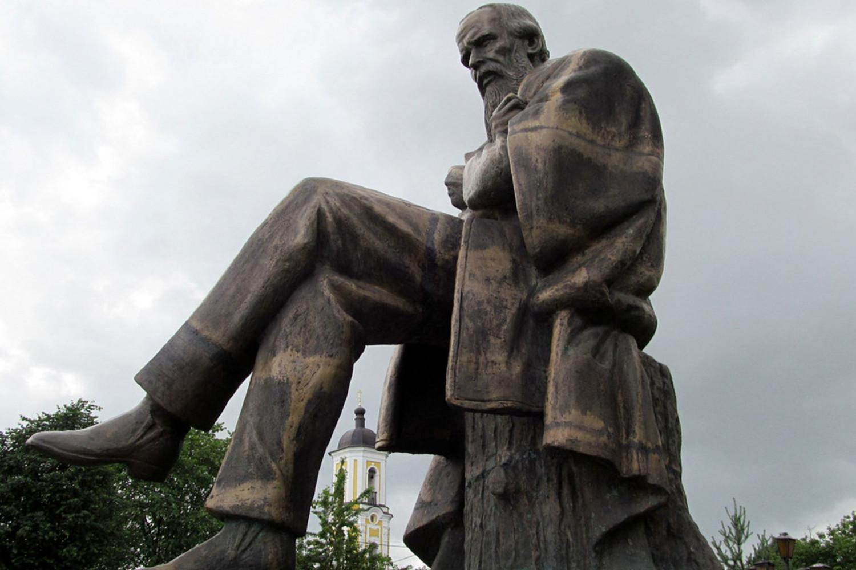 Spomenik Dostojevskom u gradu Staraja Rusa (Foto: prigorod.info)