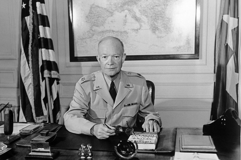 Бивши амерички председник Двајт Ајзенхауер у седишту НАТО-а у Паризу, 1951. године (Фото: AFP/Getty Images)