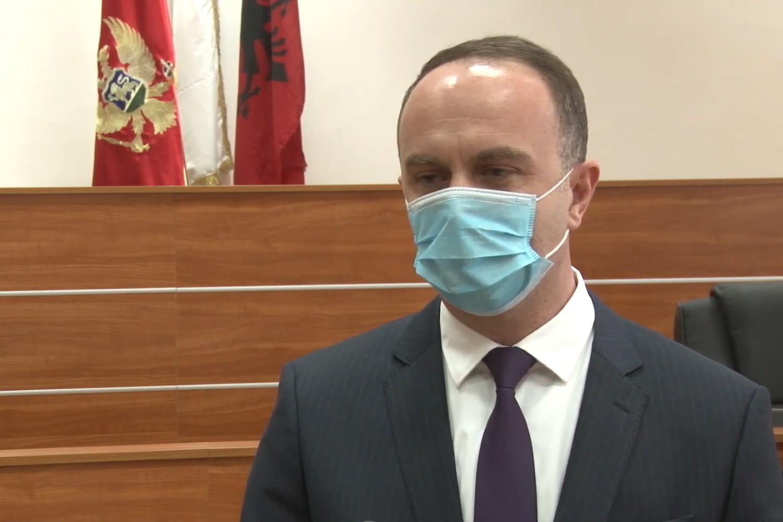 Predsednik Opštine Tuzi Nik Đeljošaj se obraća medijima, 09. april 2020. (Foto: Snimak ekrana/Jutjub)