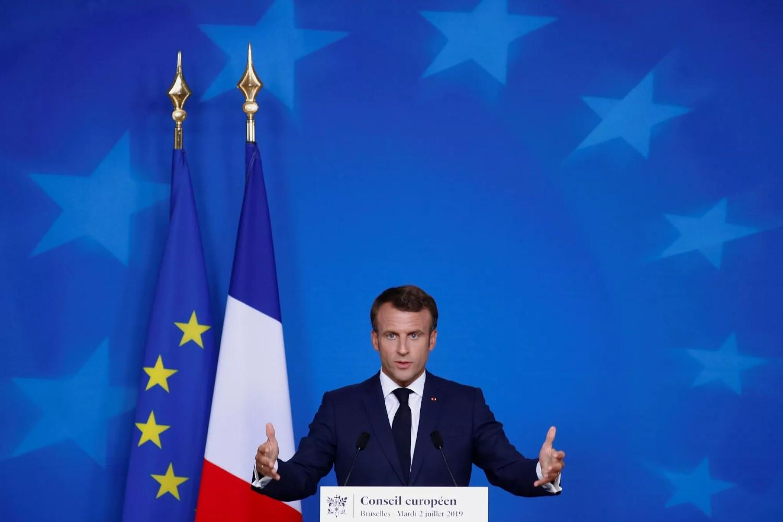 Француски председник Емануел Макрон током конференције за медије након самита лидера Европске уније, Брисел, 02. јул 2019. (Фото: REUTERS/Francois Lenoir)