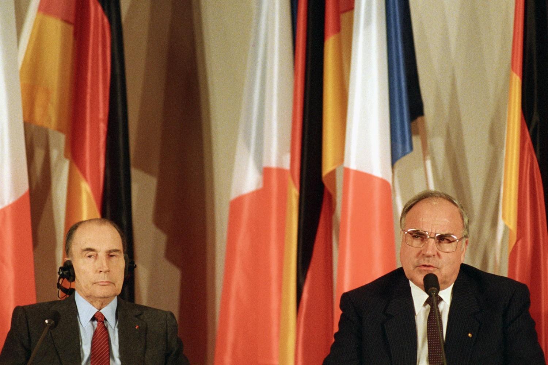 Predsednik Francuske Fransoa Miteran i nemački kancelar Helmut Kol tokom zajedničke konferencije za medije u Palati Bruhzal, 12. novembar 1987. (Foto: schloss-bruchsal.de)