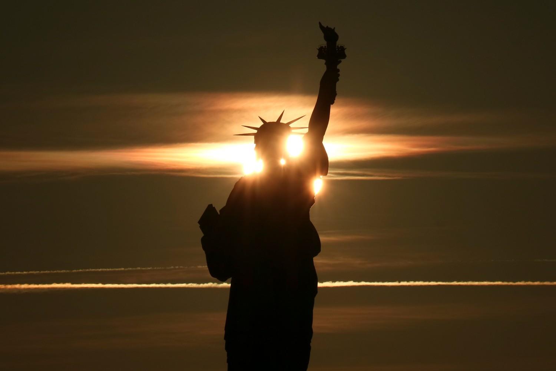 Kip slobode u Njujorku prilikom zalaska sunca (Foto: Gary Hershorn/Getty Images)