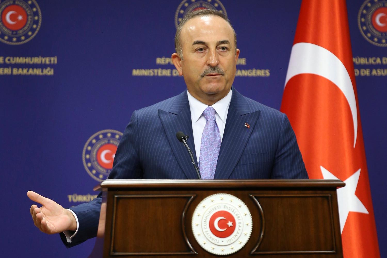 Turski ministar spoljnih poslova Mevlut Čavušoglu tokom konferencije za medije na sastanku sa ministrom spoljnih poslova Mađarske Peterom Sijartom, Ankara, 30. jun 2020. (Foto: AP Photo)