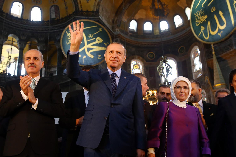 Predsednik Turske Redžep Tajip Erdogan tokom posete Aja Sofiji, 31. mart 2018. (Foto: AA Photo)