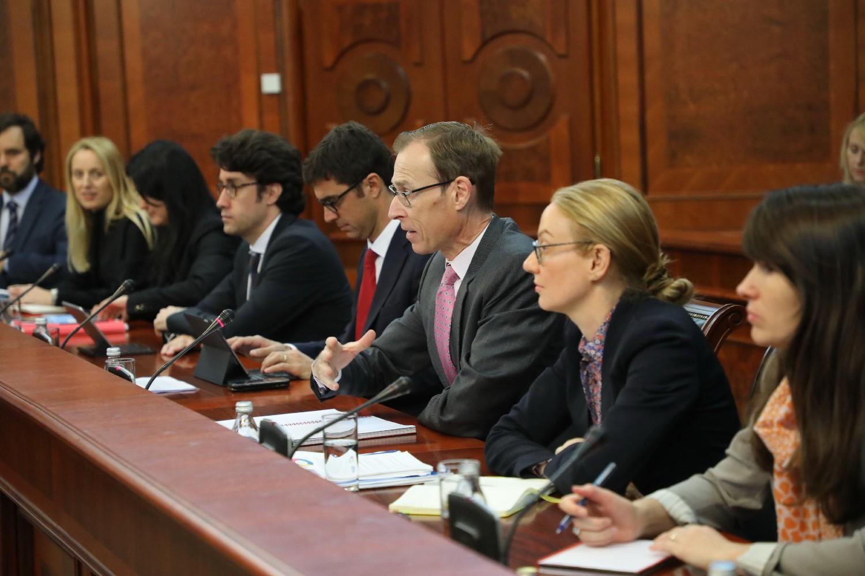 Jan Kejs Marten sa ostalim članovima delegacije MMF tokom razgovora sa srpskim zvaničnicima u Vladi Srbije (Foto: Tanjug/Slobodan Miljević)
