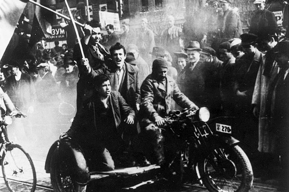 Demonstracije u Beogradu zbog potpisivanja Trojnog pakta, 27. mart 1941. (Foto: Wikimedia/Milan Roglić)