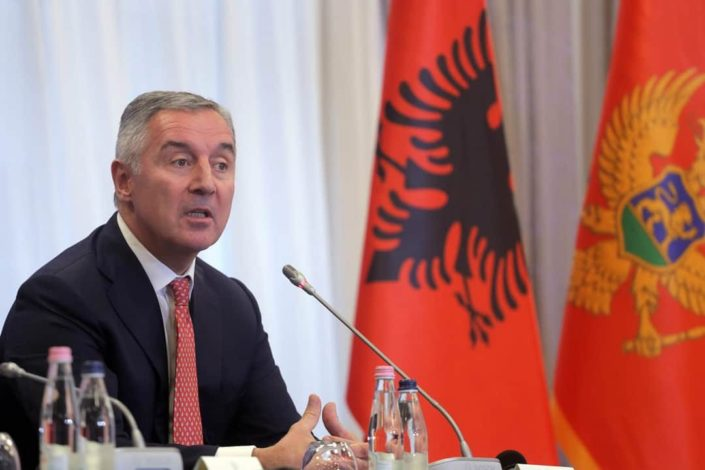 Đukanović vratio zakon Skupštini, iz vlade mu zapretili smenom