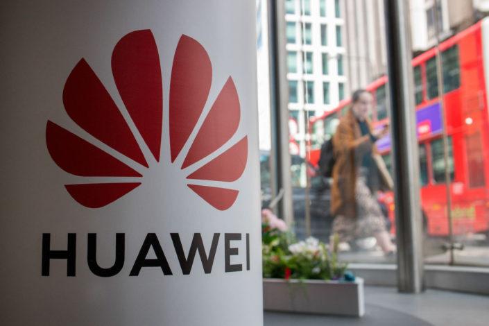 Britanija zabranila Huavej, rok za firme do 2027. godine