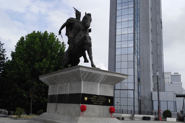 Spomenik Đurađu Skenderbegu Kastriotiju u Prištini (Foto: Wikimedia/Meriboo)