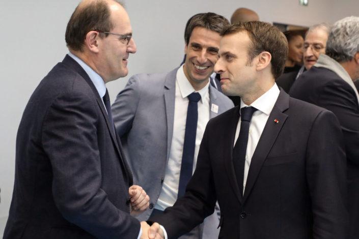 Francuska vlada podnela ostavku, Makron imenovao novog mandatara