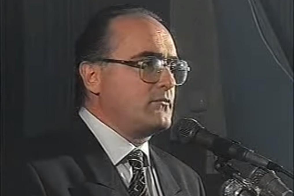 Predsednik Liberalnog saveza Crne Gore i jedan od lidera Narodne sloge tokom predizbornog mitinga na Žabljaku 1996. (Foto: Snimak ekrana/Jutjub)