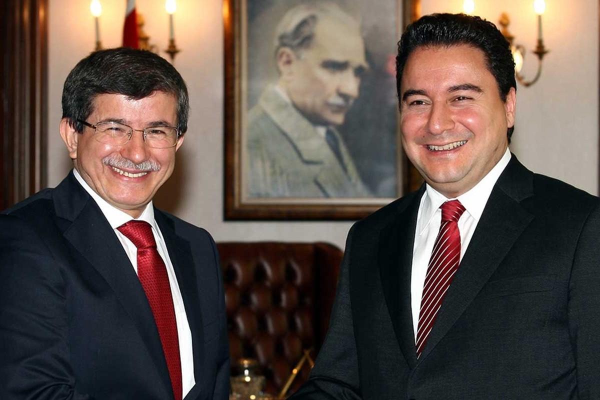 Ahmet Davutoglu i Ali Babadžan (Foto: impakter.com)