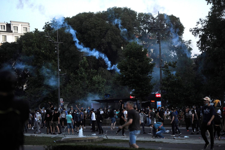 Demonstranti ispred Narodne skupštine tokom protesta, Beograd, 08. jul 2020. (Foto: Tanjug/Tara Radovanović)