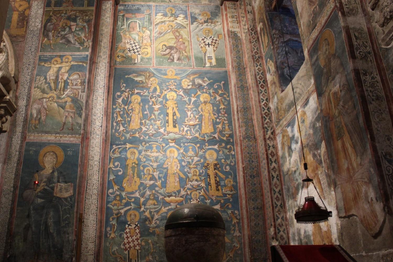 Svetorodna loza Nemanjića, freska unutar manastira Visoki Dečani (Foto: Radomir Jovanović/Novi Standard)