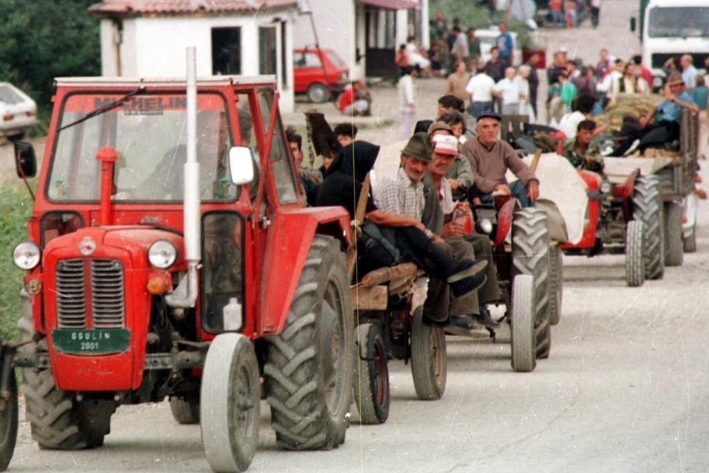 Izbeglička kolona prognanih Srba iz Krajine nakon operacije Oluja avgusta 1995. (Foto: Tanjug/Vladimir Dimitrijević)