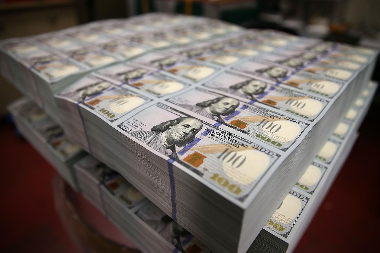 Odštampane novčanice od 100 dolara u Birou za graviranje i štampanje u Vašingtonu (Foto: Mark Wilson/Getty Images)