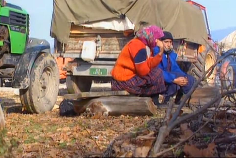 Srpski civili neposredno uoči odlaska iz Kupresa, po njegovom padu pod kontrolu hrvatskih i muslimanskih snaga (Foto: Snimak ekrana/Jutjub)