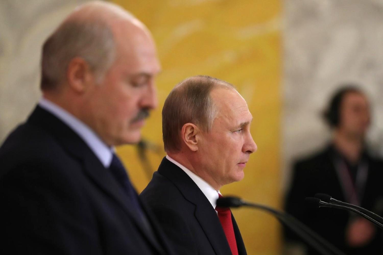 Predsednik Rusije Vladimir Putin i predsednik Belorusije Aleksandar Lukašenko tokom zajedničke konferencije za medije nakon sastanka u Sankt Peterburgu, 03. april 2017. (Foto: kremlin.ru)
