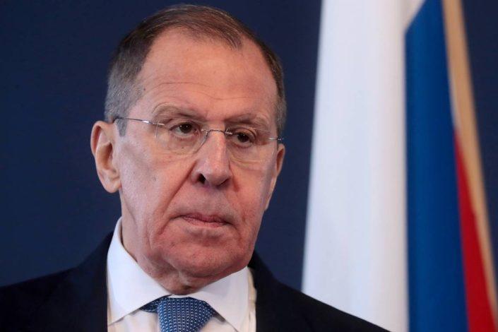Lavrov Parizu i Berlinu: Ako ne urazumite Kijev, pričaćemo drugačije