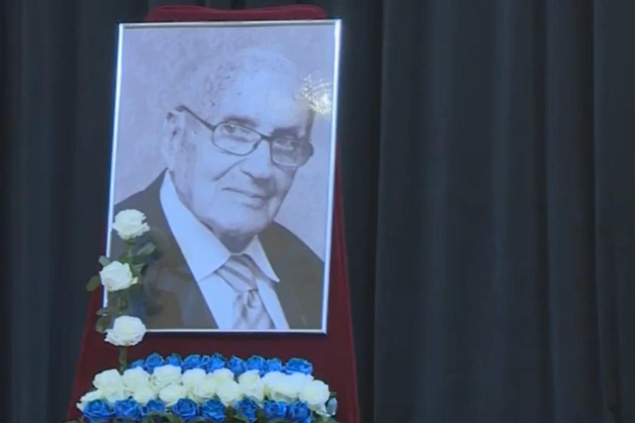 Spomen-slika na komemoraciji Ariea Livnea u Banskom dvoru, Banjaluka, 11. septembar 2020. (Foto: Snimak ekrana/Jutjub)