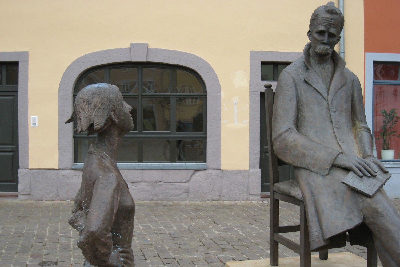 Statua nemačkog filozofa Fridriha Ničea u Naumburgu (Foto: Wikimedia/Giorno2)