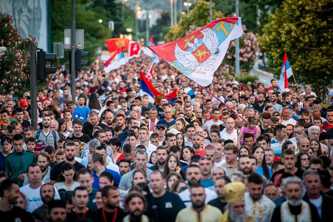 Građani Podgorice tokom litije za odbranu svetinja, 15. jun 2020. (Foto: Miloš Vujović/mitropolija.com)