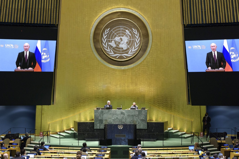 Ruski predsednik Vladimir Putin tokom obraćanja putem video-linka plenarnoj sednici Generalne skupštine Ujedinjenih nacija, Njujork, 22. septembar 2020. (Foto: OON, Manuэlь Эlias/kremlin.ru)
