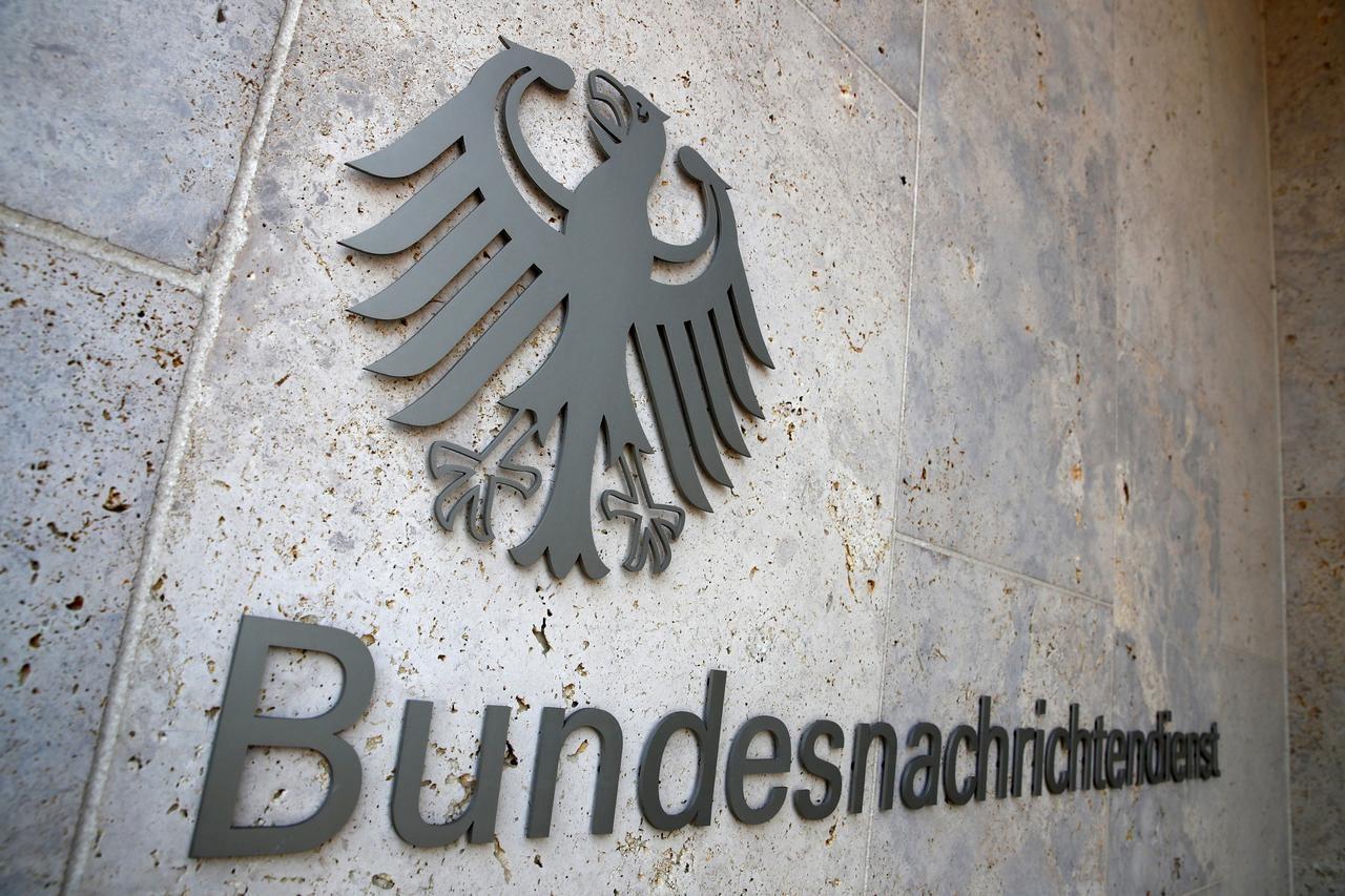 Logo nemačke Federalne obaveštajne službe na sedištu u Berlinu (Foto: Reuters/Axel Schmidt)