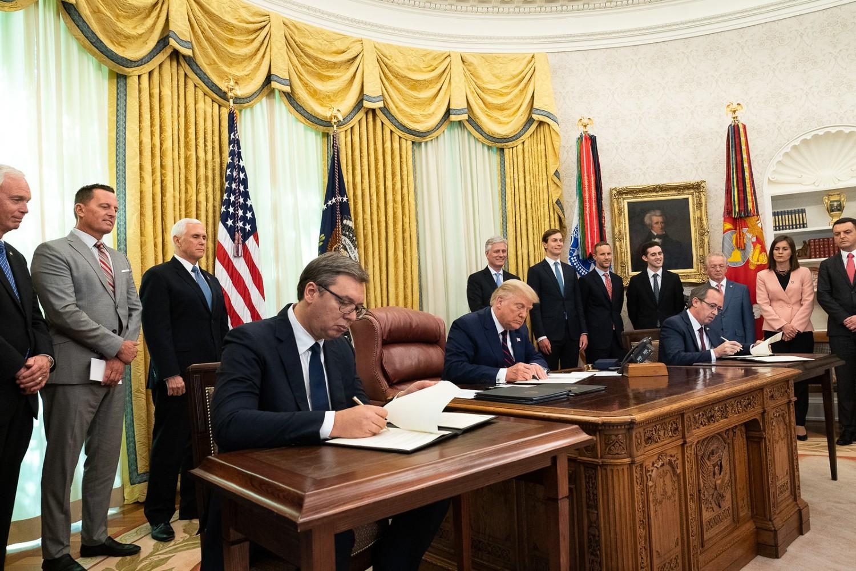 Церемонија потписивања Споразума о нормализацији економских односа између Београда и Приштине у Овалном кабинету Беле куће, Вашингтон, 04. септембар 2020. (Фото: Official White House Photo by D. Myles Cullen)