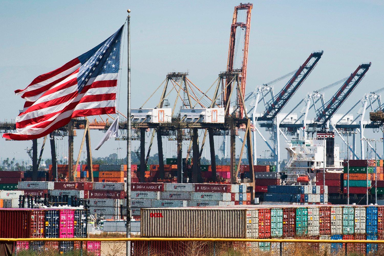 Brodski kontejneri iz Kine i drugih azijskih zemalja tokom istovara u luci u Los Anđelesu, 14. septembar 2019. (Foto: Mark Ralston/AFP/Getty Images)
