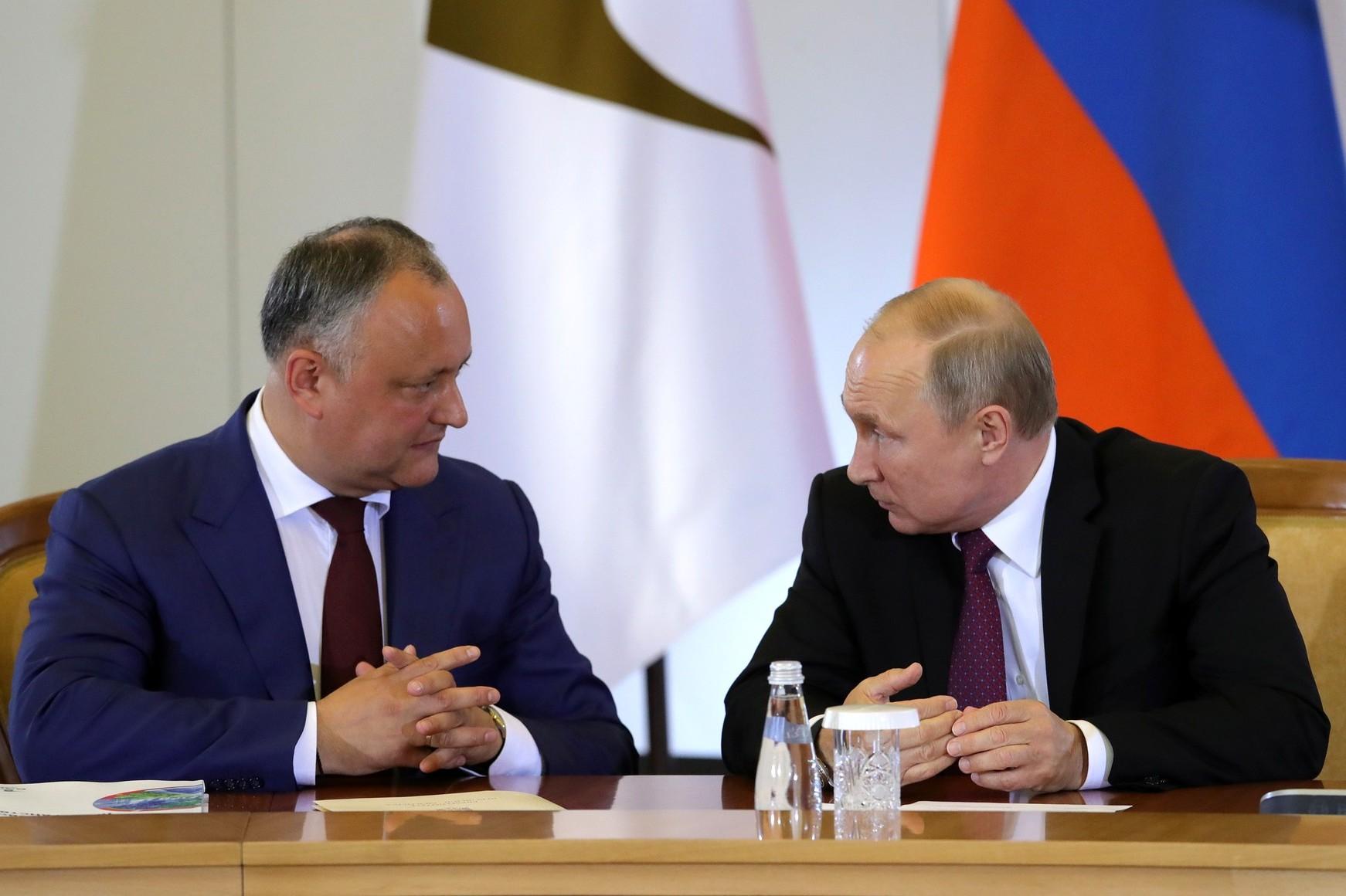 Predsednik Moldavije Igor Dodon tokom sastanka sa predsednikom Rusije Vladimirom Putinom, Soči, 14. maj 2018. (Foto: kremlin.ru)
