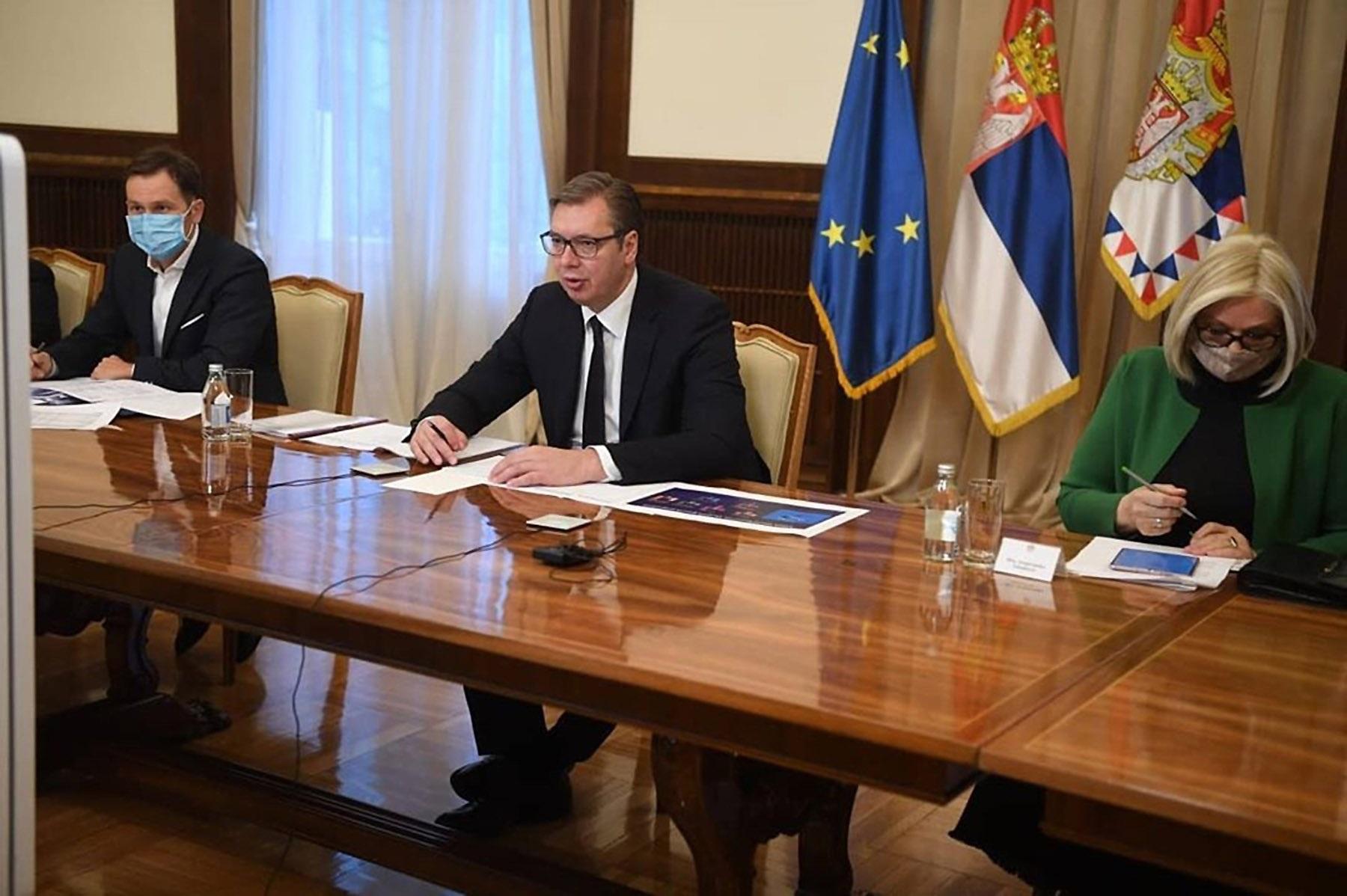 Ministar finansija Siniša Mali, predsednik Srbije Aleksandar Vučić i guvernerka NBS Jorgovanka Tabaković tokom onlajn sastanka sa predstavnicima MMF-a, Beograd, 14. oktobar 2020. (Foto: Tanjug/Instagram (buducnostsrbijeav)