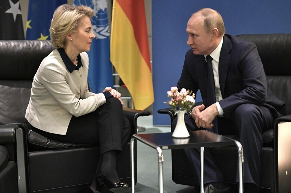 Predsednica Evropske komisije Ursula fon der Lajen tokom sastanka sa predsednikom Rusije Vladimirom Putinom (Foto: Sputnik/Aleksiy Nikolskiy)