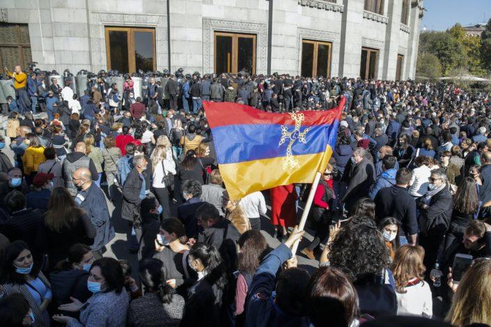 Demonstranti u Jerevanu dali Pašinjanu 24 sata da podnese ostavku