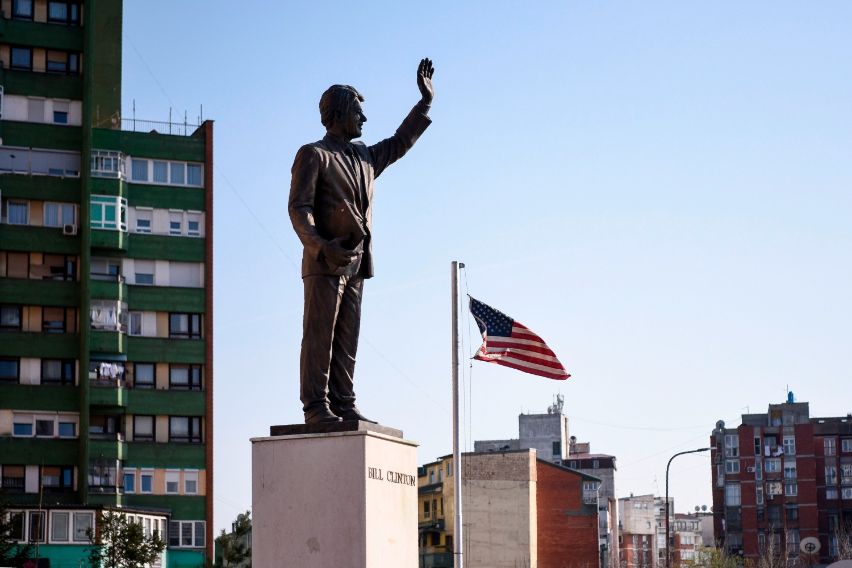Spomenik bivšem američkom predsedniku Bilu Klintonu u Prištini (Foto: Armend Nimani/AFP/Getty Images)