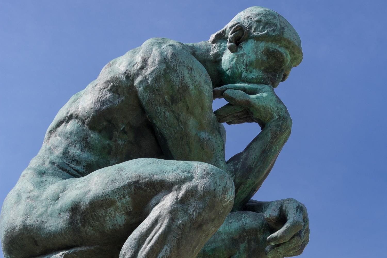 """Mislilac"", bronzana skulptura Ogista Rodena ispred Rodenovog muzeja u Parizu (Foto: Wikimedia/ Flickr/Douglas O'Brien)"