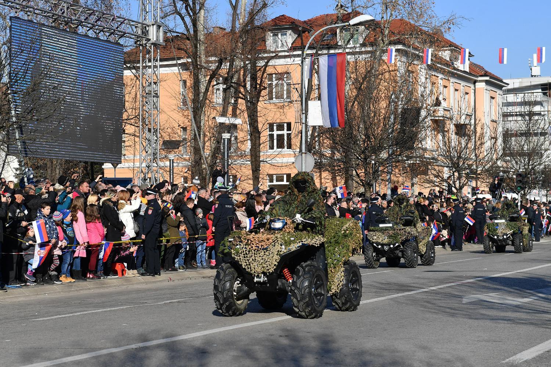 Defile motorizovanih vojnih jedinica tokom obeležavanja Dana Republike Srpske, Banjaluka, 09. januar 2020. (Foto: Ministarstvo odbrane RS)